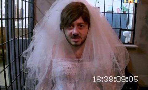 Ютуб Бородач В Свадебном Платье 89